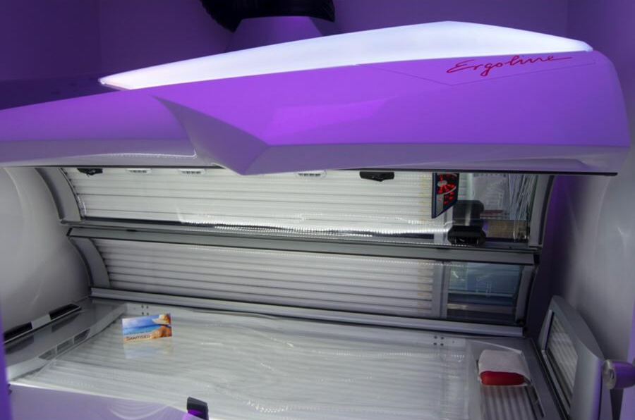 The tanning salon – lay-down sunbeds